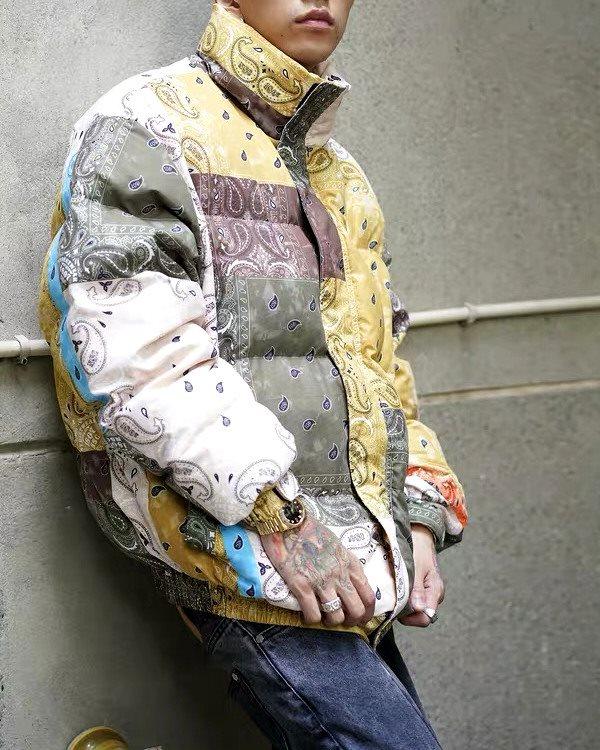 マルチカラーバンダナ柄中綿ダウンジャケットの画像1